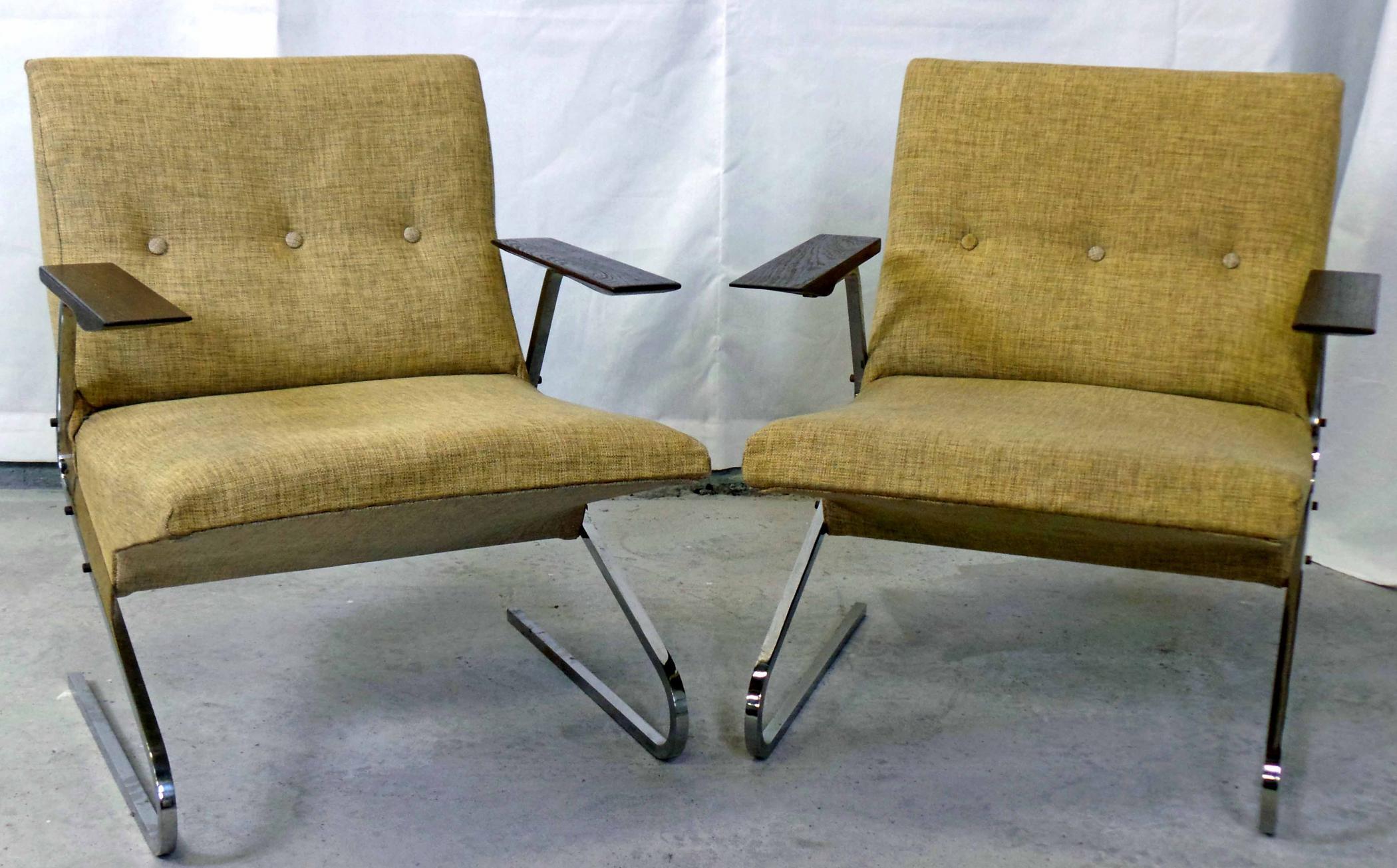 Merveilleux 2 Beaufort Cantilever Lounge Chairs By Van Rijk For Beaufort