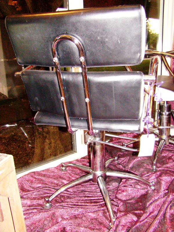 Sleek black white mid century modern swivel salon chairs for 76 salon mid valley