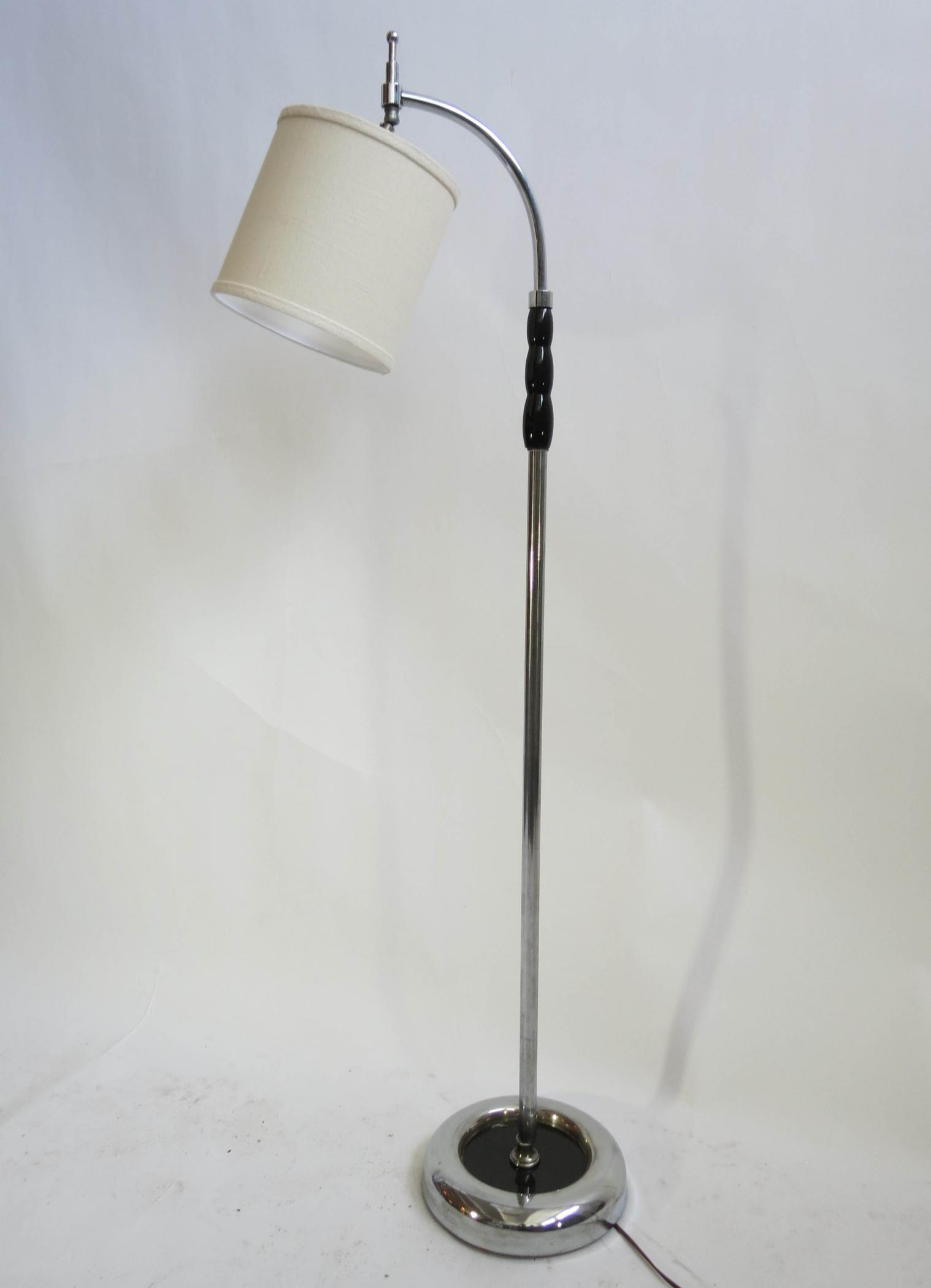 american art deco floor lamp attributed to gilbert rohde modernism. Black Bedroom Furniture Sets. Home Design Ideas