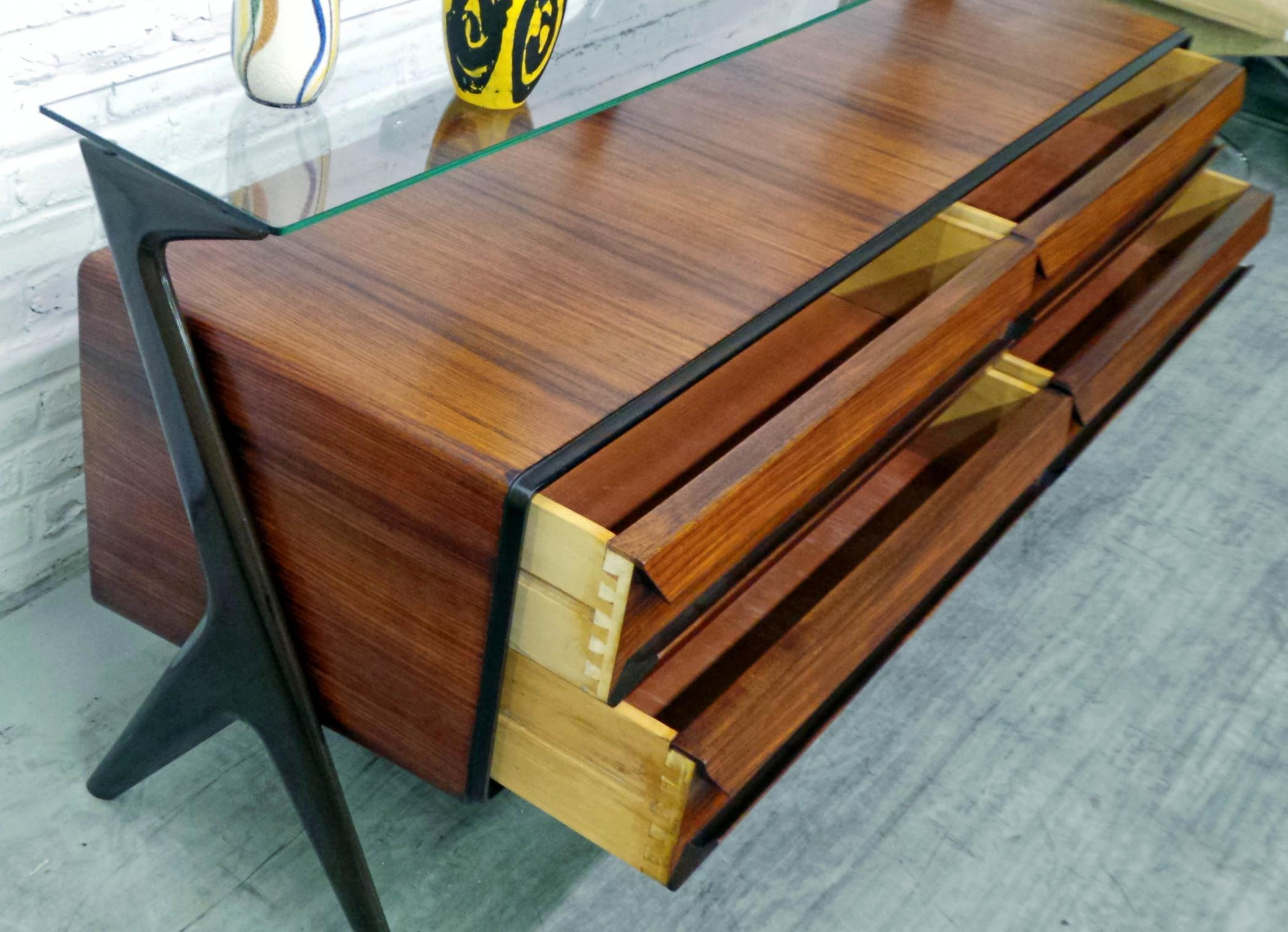 mid century modern italian design rosewood sideboard modernism. Black Bedroom Furniture Sets. Home Design Ideas