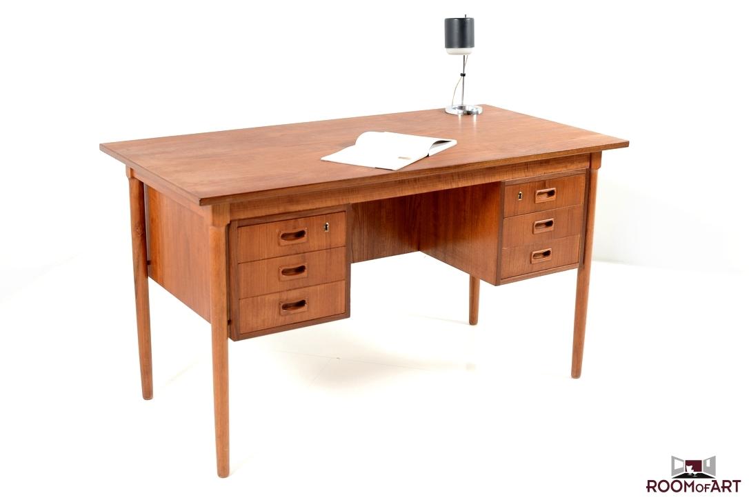 Mid Century Danish Writing Desk In Teak Modernism