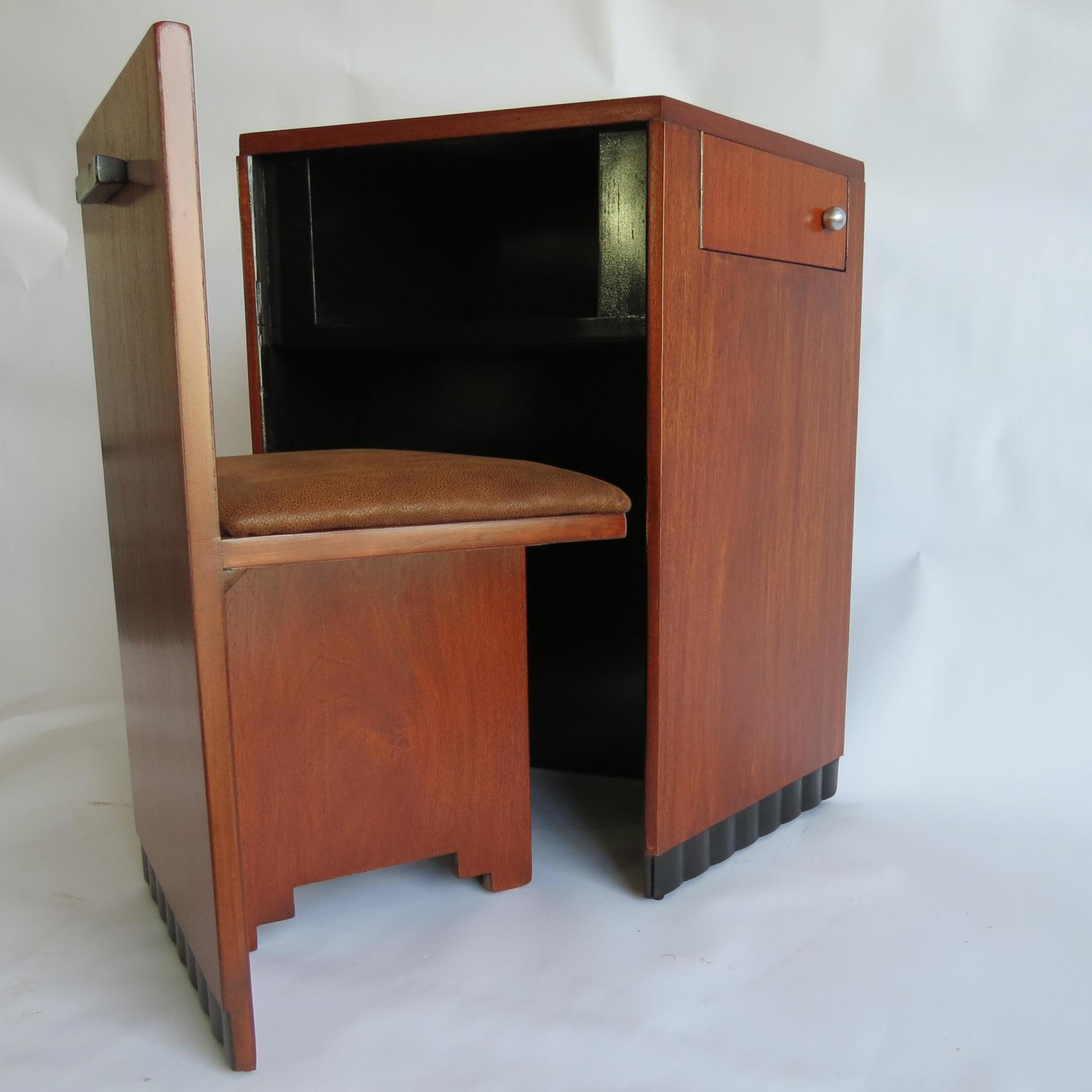Small american art deco writing desk and chair modernism for Art deco writing