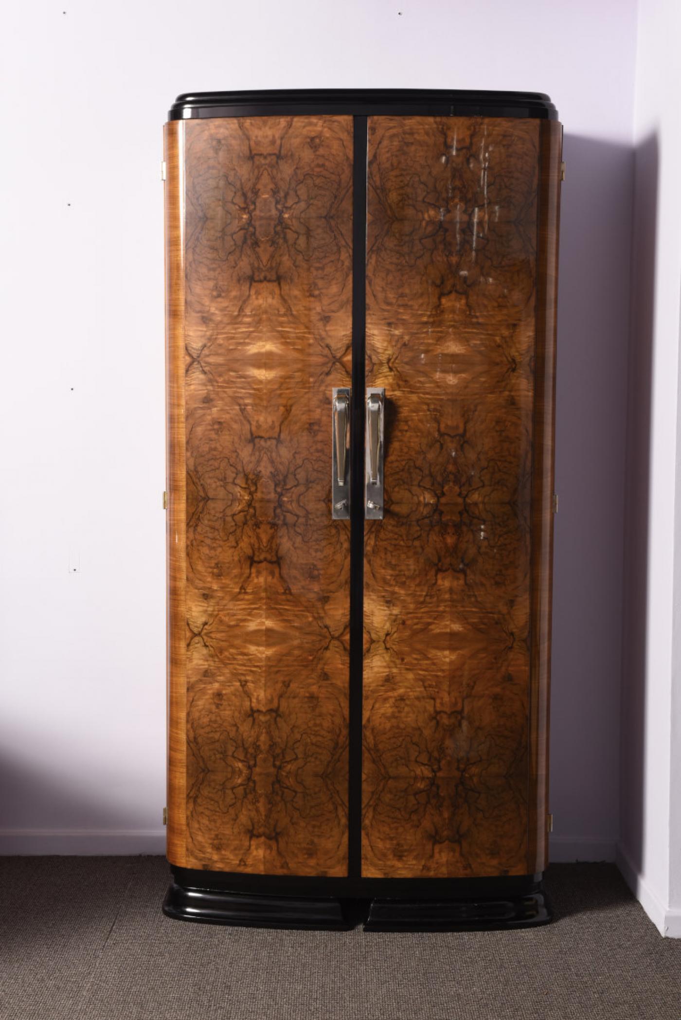 Walnut Art-Deco Wardrobe | Modernism