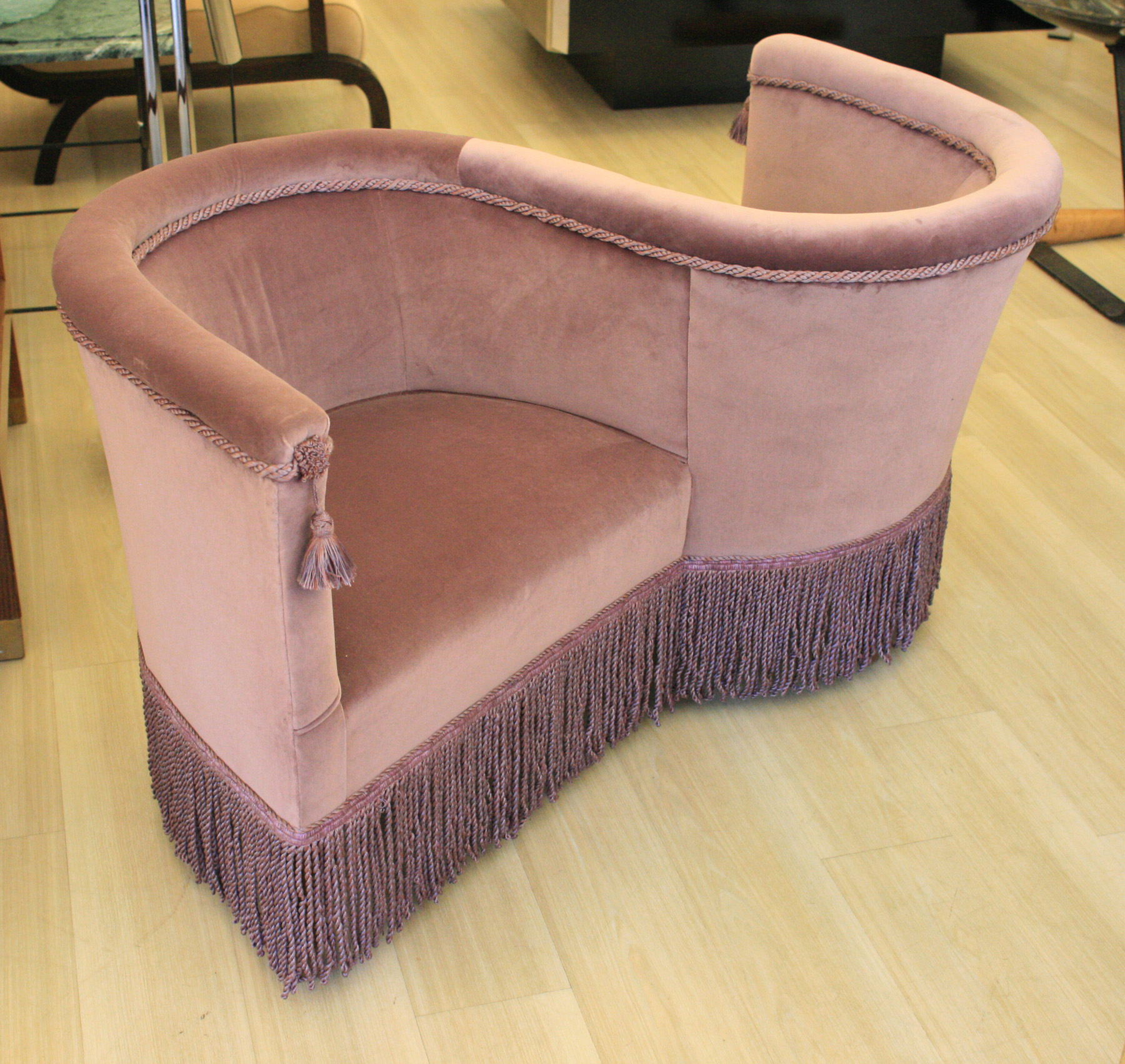 Superbe Love Chair By Vincenzo Menegatti