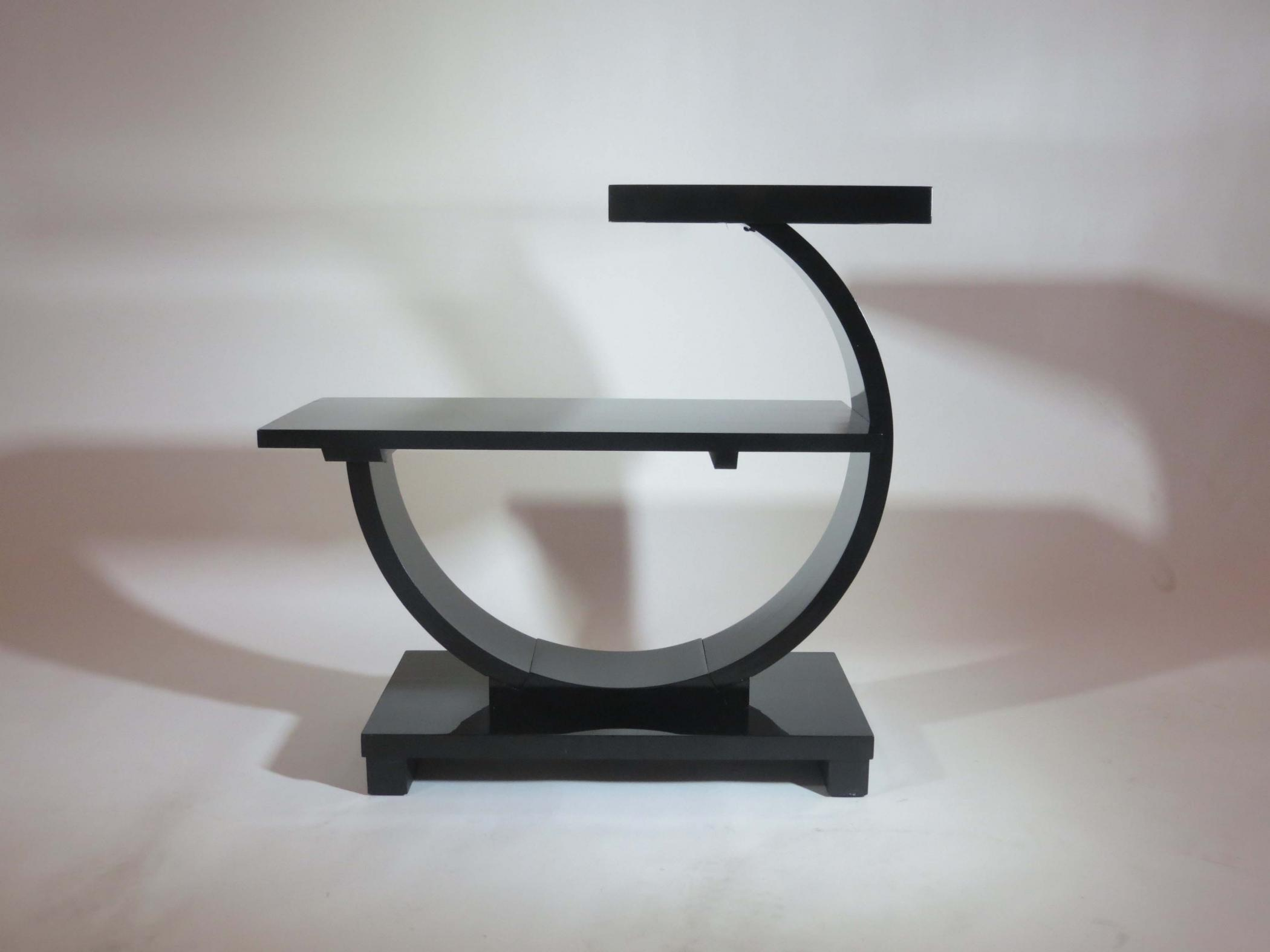 Wonderful Pair Of American Art Deco Modernage Black Lacquer End Tables
