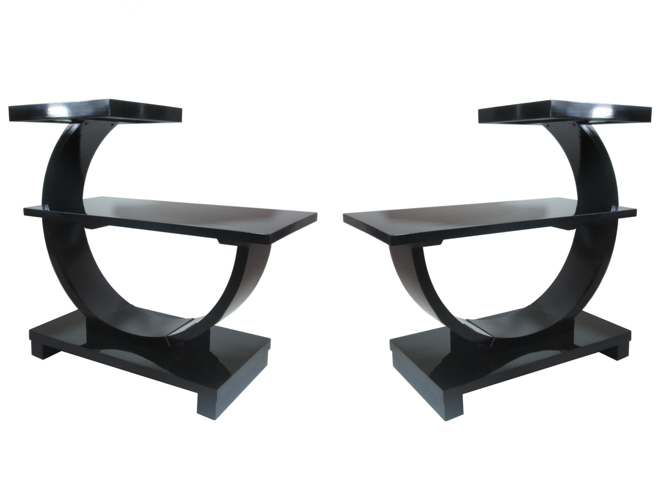 Beautiful Pair Of American Art Deco Modernage Black Lacquer End Tables