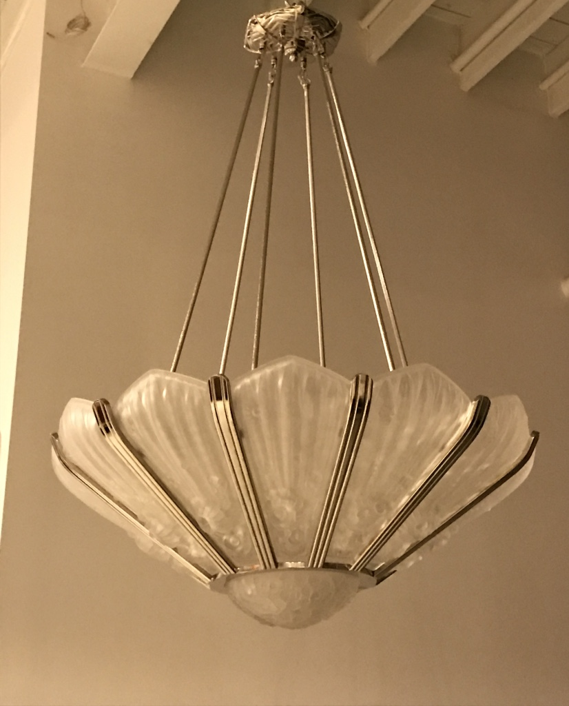 Stunning french art deco chandelier by genet et michon for Art et decoration